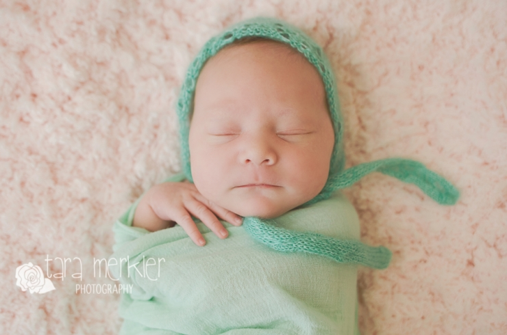 Web Keira Newborn Session Tara Merkler Photography-8